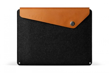 Sleeve-for-1322-Macbook-Pro-Tan-001-1200x800.jpg